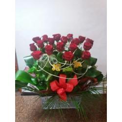 Kosz z 18 róż